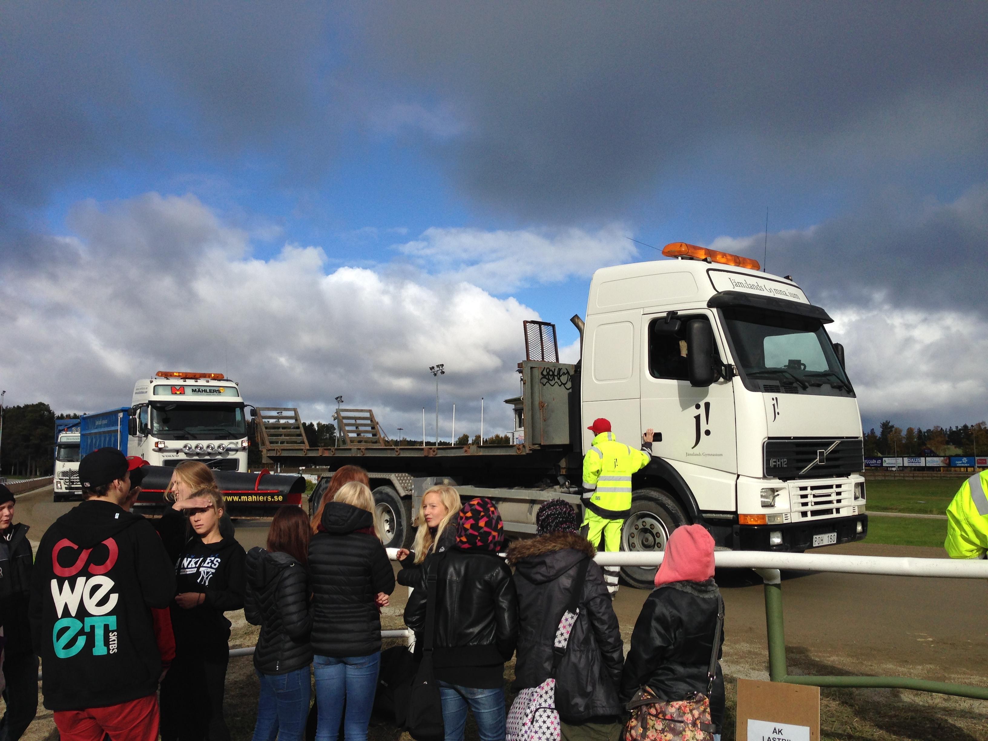 Lastbilsåkning med Fordons- och transportprogrammet