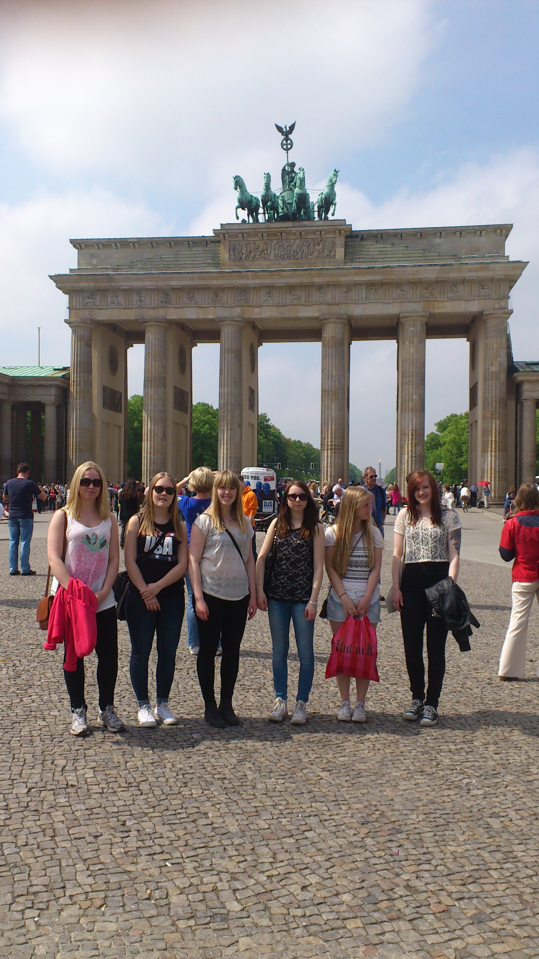 Eleverna vid Brandenburger Tor